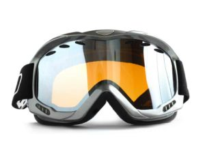 liquid repellency and self-cleaning effect for ski goggles