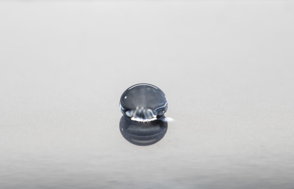 Superhydrophobic surface